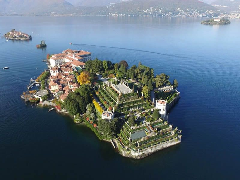 Borromean islands: rates and prices