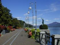 Walk along the lake Verbania
