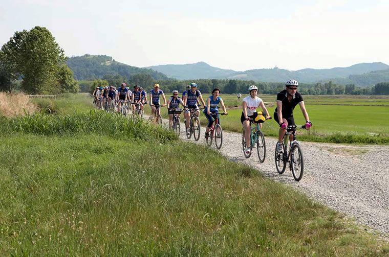Il Lago Maggiore lo scopriamo in bici: 3 itinerari cicloturistici