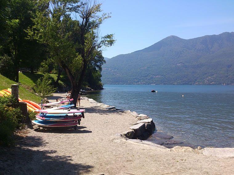Sapore d'estate in arrivo: tutti sul Lago Maggiore per un bagno rinfrescante